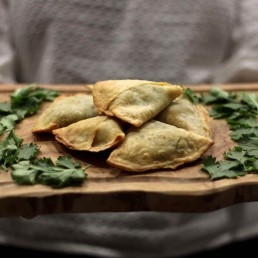 Award-winning gluten free and vegan artisan samosas in sweet and savoury flavours, hand-made by the Green Sisters and happen to be Free From 14 regulated allergens